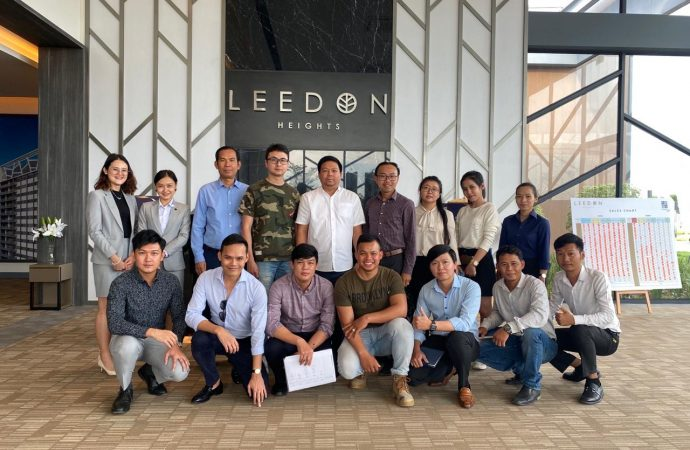 MSQMZTH Team at Leedon Heights Showroom